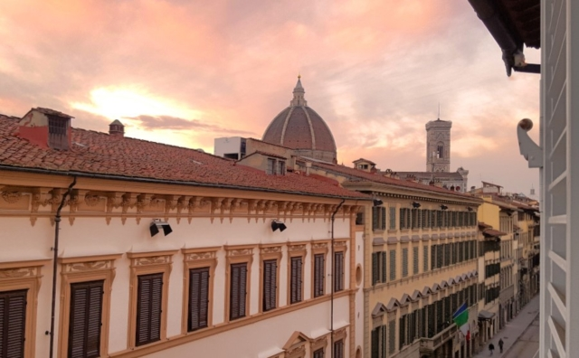 hotel room with view florence Il Guelfo Bianco