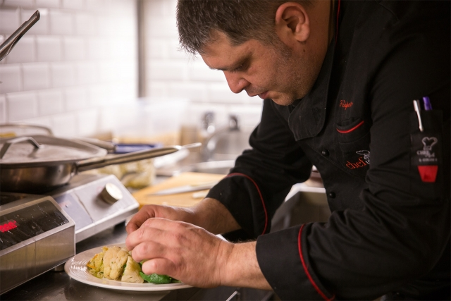 Farm to table organic hotel restaurant Il Guelfo Bianco